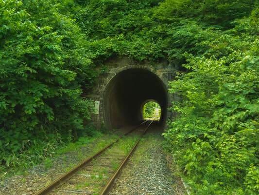 山田線の風情あるトンネル